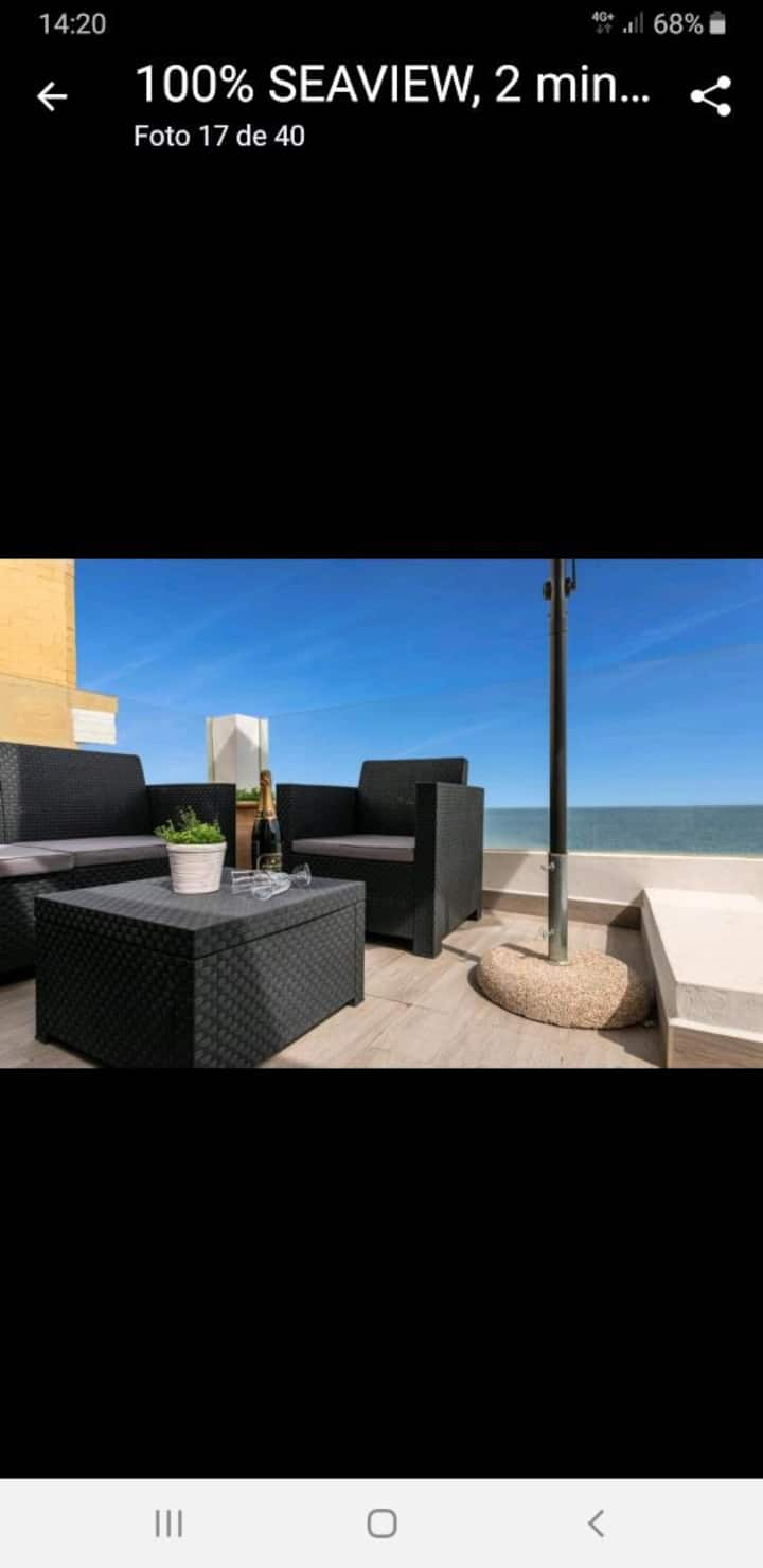 CUBANA BEACH. Luxury apartment front the beach.