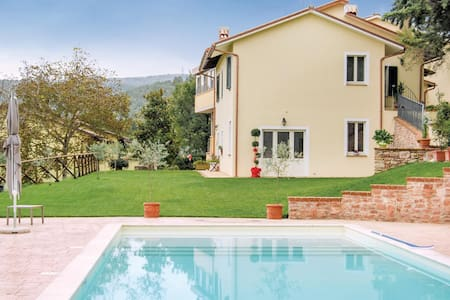Holiday apartment with 2 bedrooms on 60m² in Località Macerino -TR-