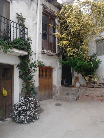 casa en  pueblo  tranquilo de sierra nevada - Mairena - House