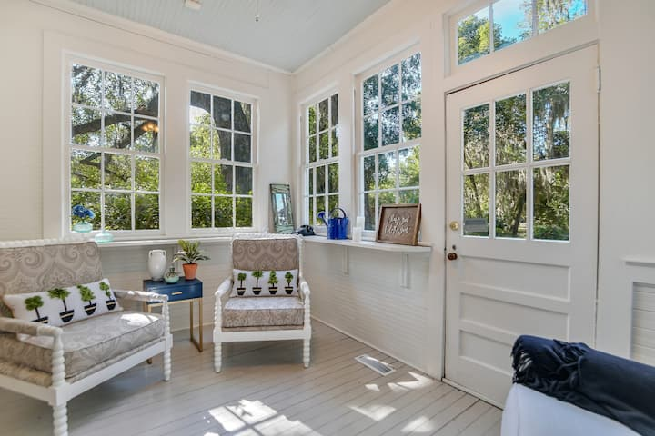 Stunning Historic Charm✦Near Downtown Waterfront
