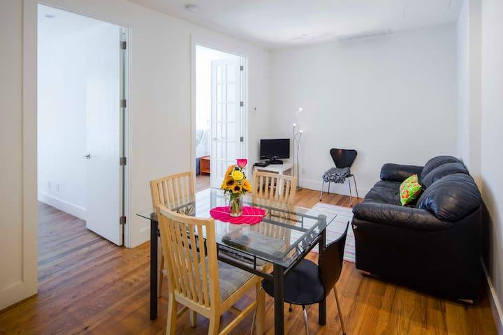 Un appartement occupé confortable