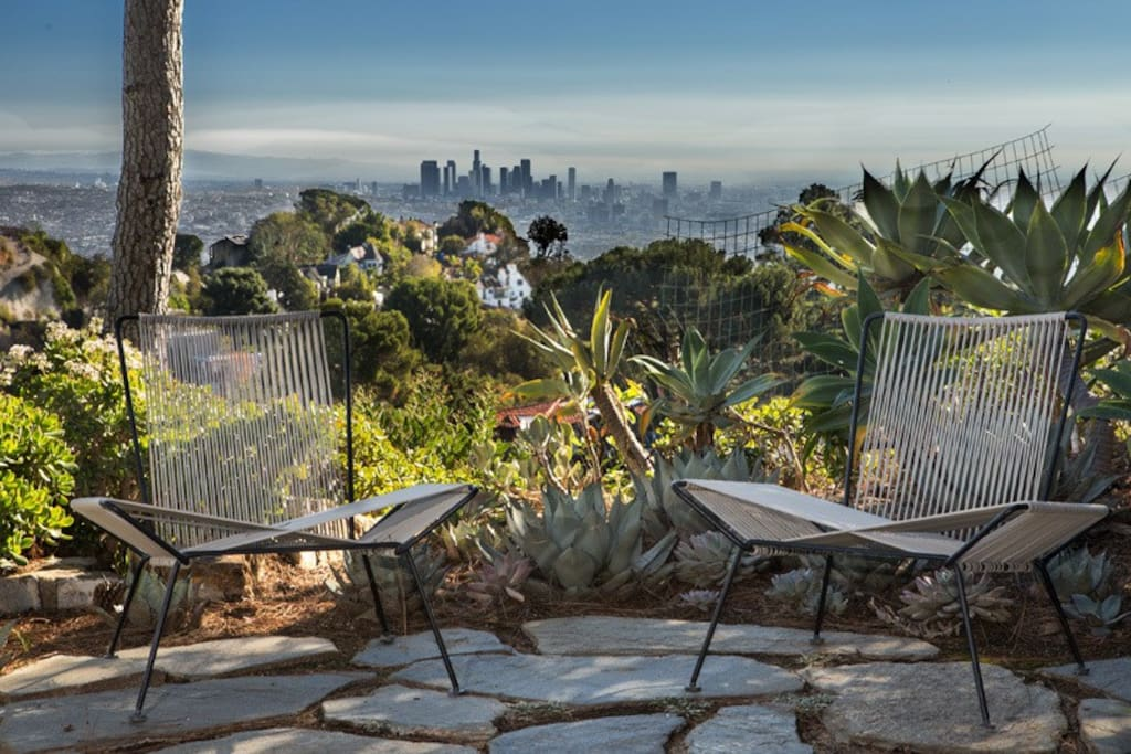 """This """"tree-house"""" provides panoramic views of the ocean, downtown Los Angeles and the San Fernando Valley"""