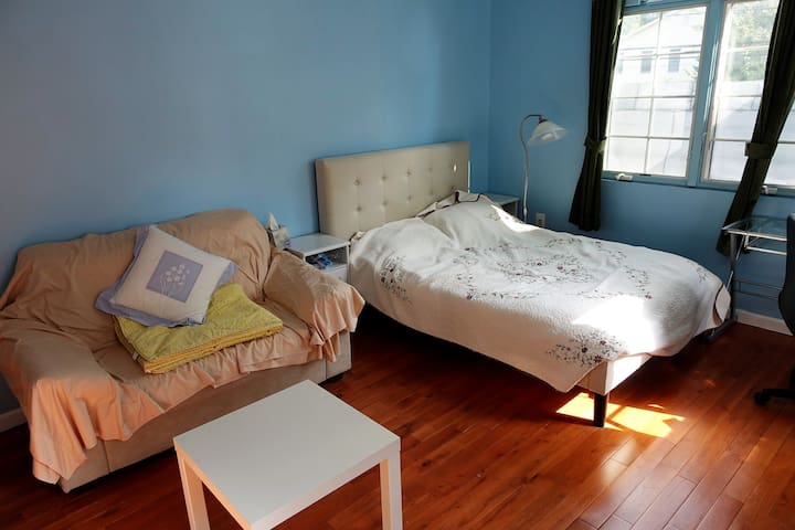 Clean, Neat, home like experience at Tenafly