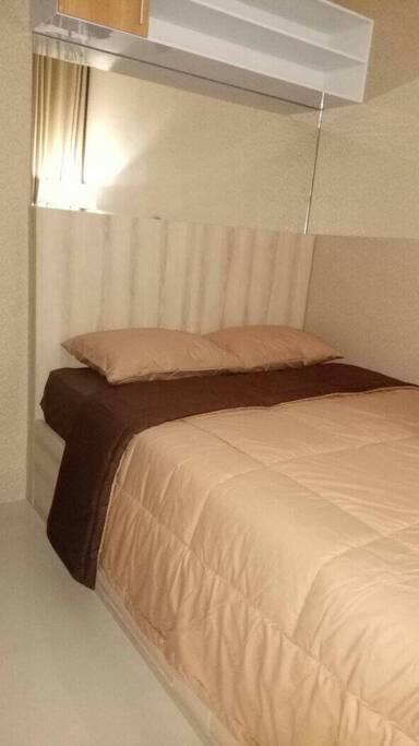 Bed room 2, queen size bed