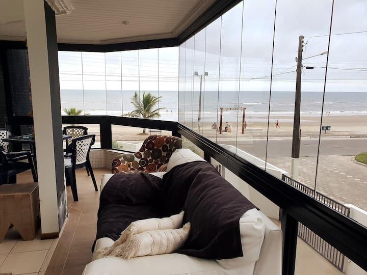 Em Frente ao Mar com Ar Condicionado em Matinhos