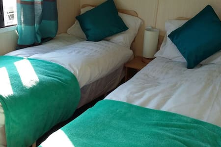 Homely Caravan Rental, Sand Le Mere - East Riding of Yorkshire - Campingvogn