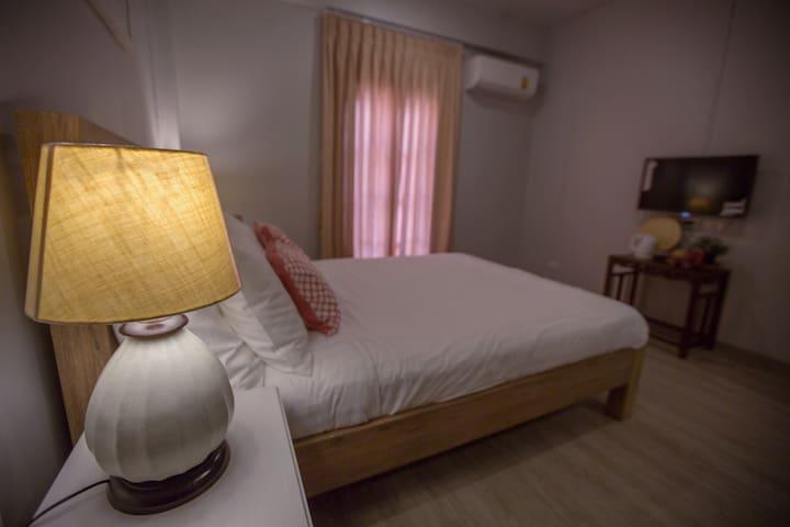 Cozy Room near BTS Krungthonburi and IconSiam