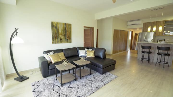 Luxury Tumon Location - 3 Bedroom Suite