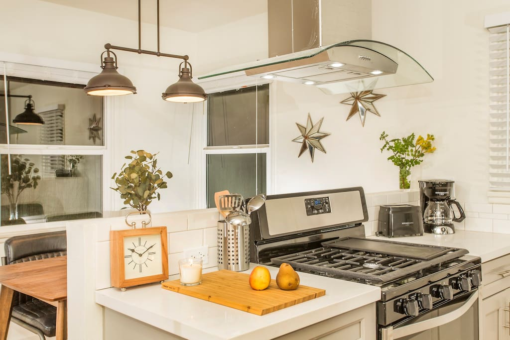 Chefs kitchen fully renovated with High-End Appliances