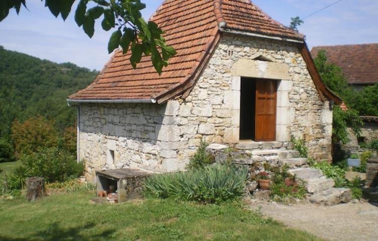 Caselle Typique Quercynoise (proche Cajarc)