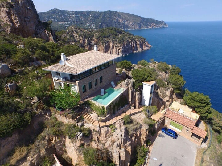 stunning villa on the costa brava,