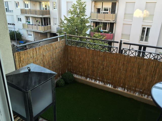 Gemütliche Wohnung in zentraler Lage (mit Balkon) - Bamberg - Appartement
