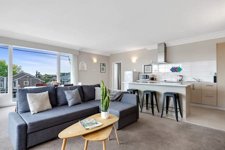Sunny & central newmarket home with carpark