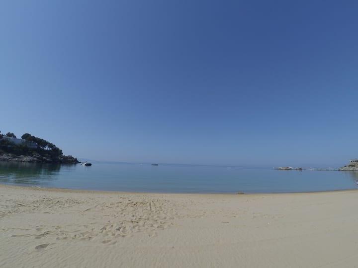 NEW MADRAGUE BEACH