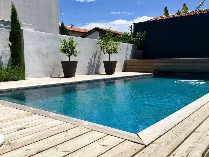 VILLA heated pool in the heart of Bayonne