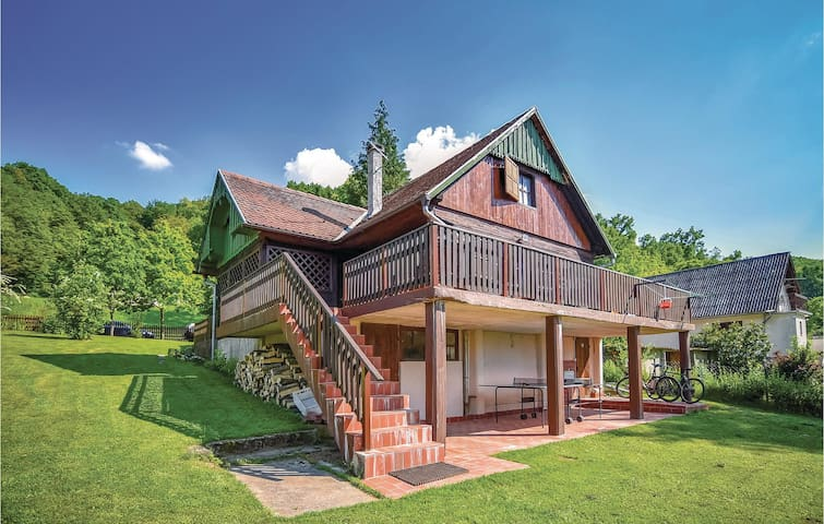Holiday cottage with 1 bedroom on 80m² in Pokupska Slatina
