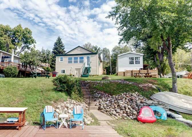 Bayfront 2BR Wolcott House w/Private Dock!