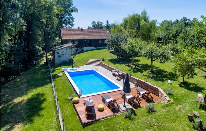 Amazing home in Kupljenovo with Outdoor swimming pool and 1 Bedrooms
