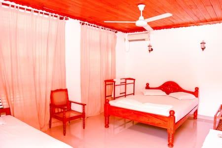 Deluxe triple room - Odara hotel and restaurant - Hambantota - Other