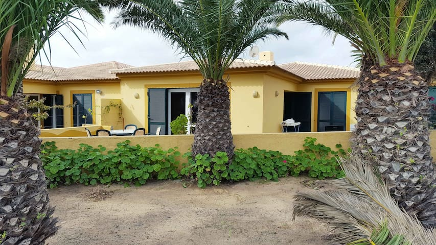 By the Beach Villa - Porto Santo Island - Casa