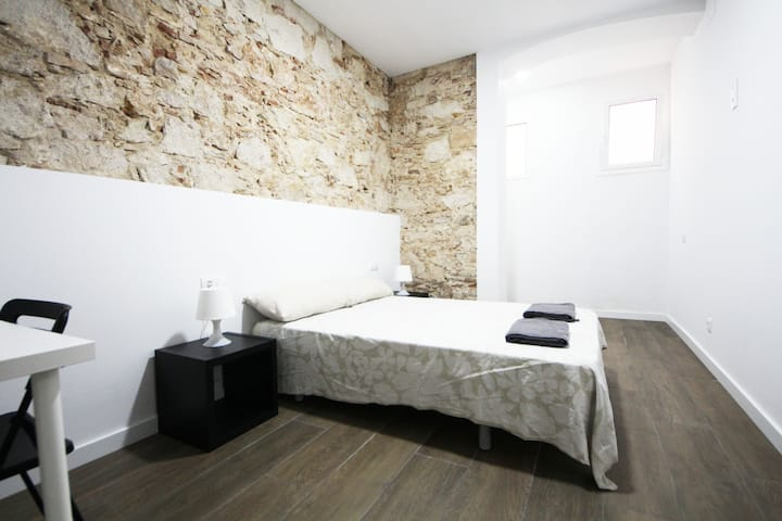 Cozy apartment in Gracia for respectful guests