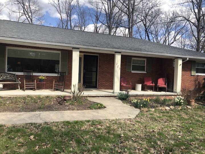Cozy, newly remodeled, extra large 2 bdrm basement
