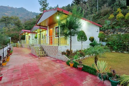 LivingStone Mussoorie | 3 Rooms Cottage for Family