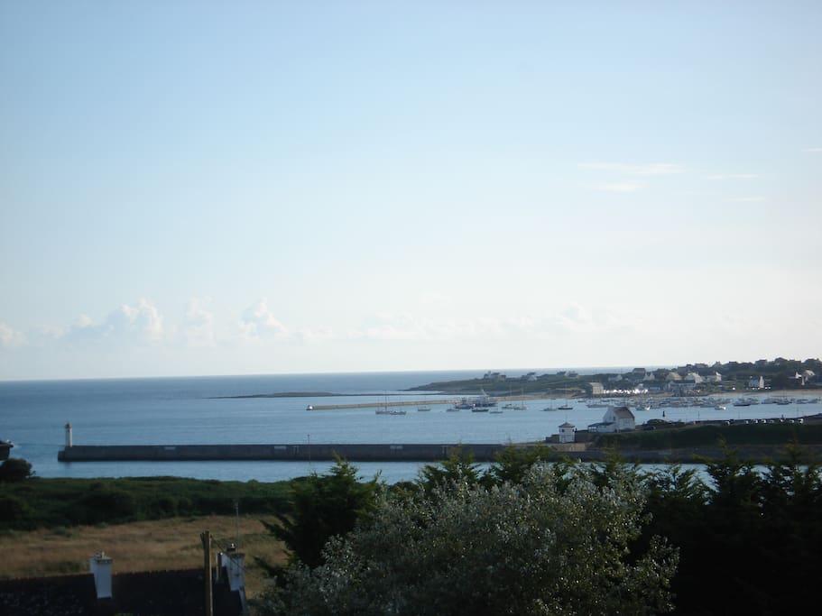 tres jolie vue sur l'entrée du port des deux chambres