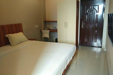 Superior room with airport shuttle (no breakfast)