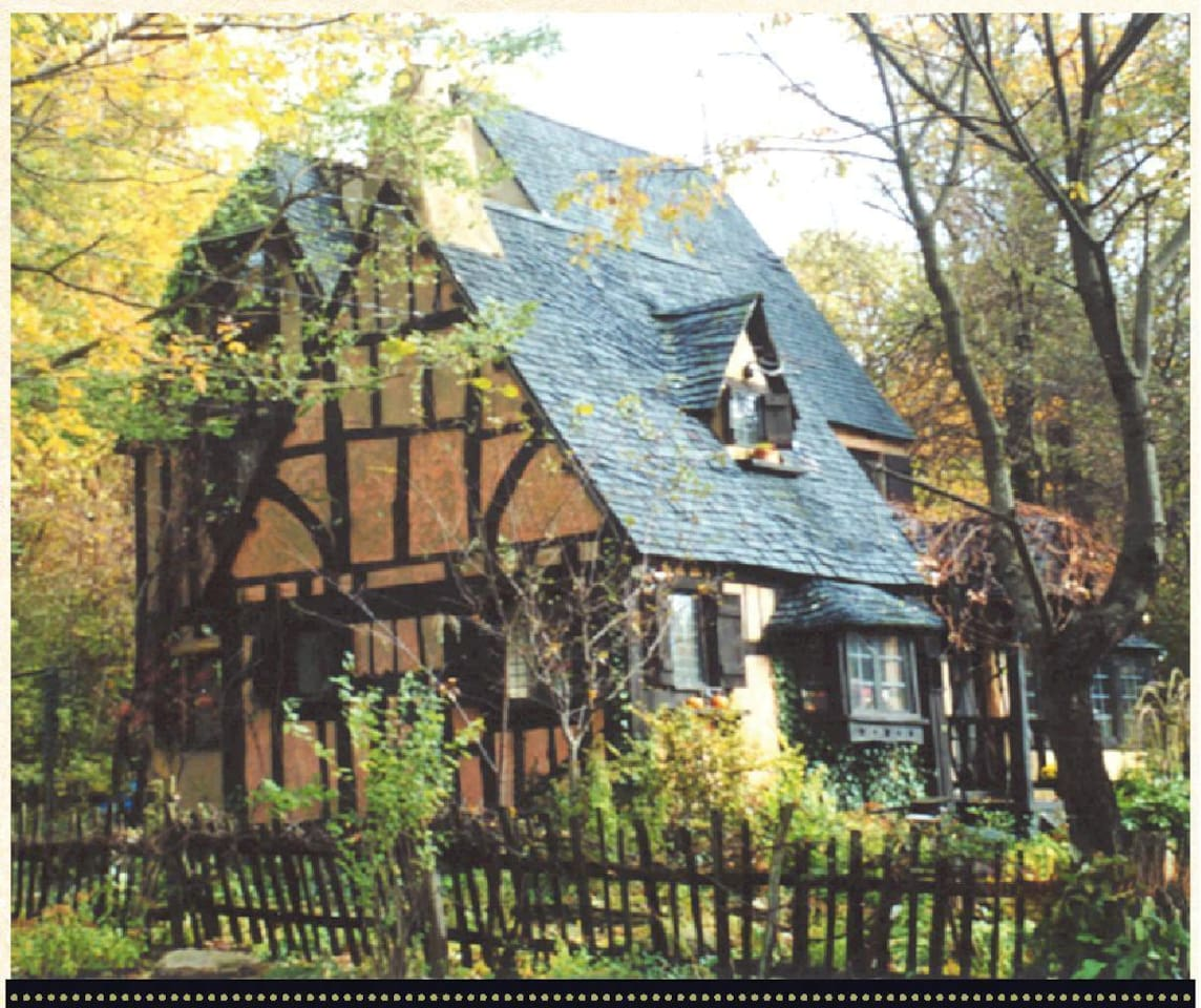 Storybook English Cottage And Garden On 21 Acres The Chautauqua Ridge