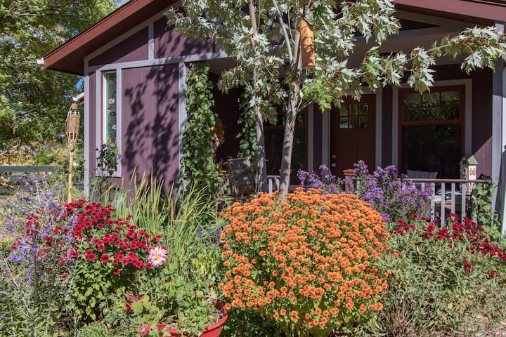 Charming Country Cottage - Boulder - Ev