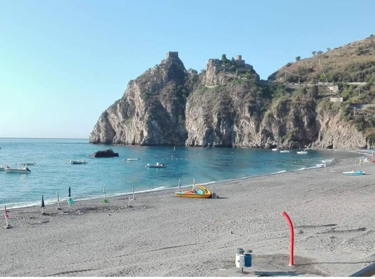 Bellissima spiaggia di Sant'Alessio