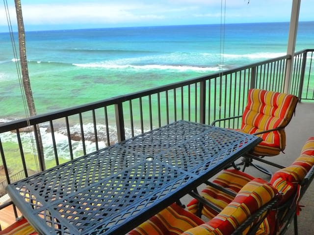 100% Oceanfront~Priceless Ocean Views~Hear Waves! - Lahaina - Apartment