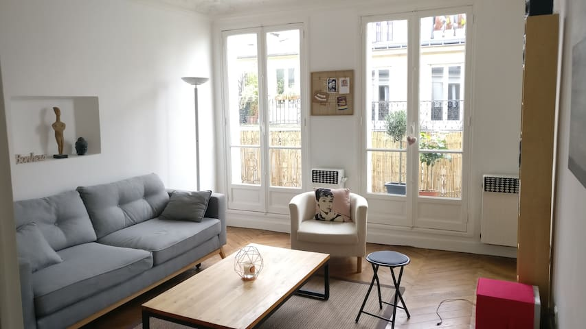 Sunny & peaceful 60m² flat in Paris's heart !