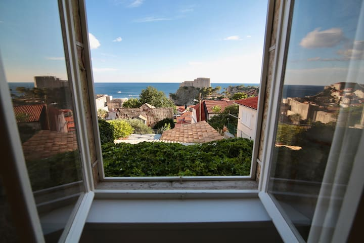Cava - One Bedroom Apartment with Patio&Sea View