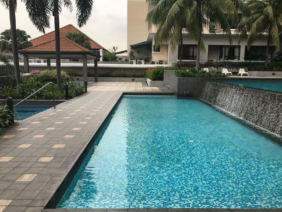 Kid's swimming pool