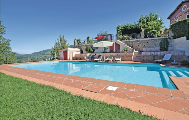 Holiday cottage with 1 bedroom on 68 m² in Poggio Catino RI