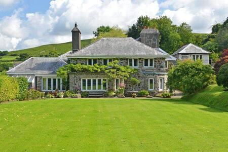 Two Bedroom Annex B & B in Splendid Dartmoor House