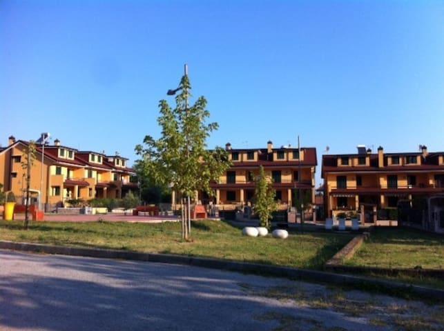 Villa a Schiera con  Giardino . - Sala - Rumah