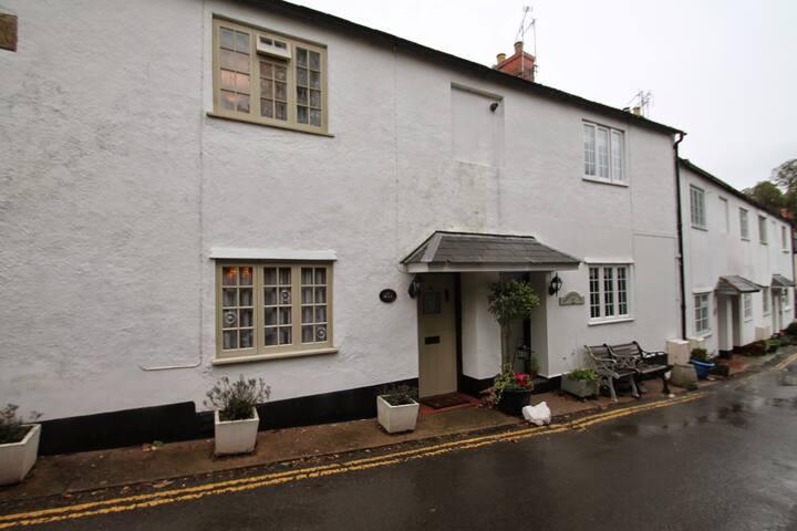 Ruffles Cottage, Dunster | Exmoor | Sleeps 4