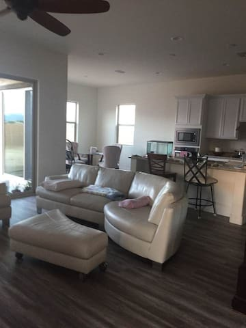2 cozy rooms in brand new home