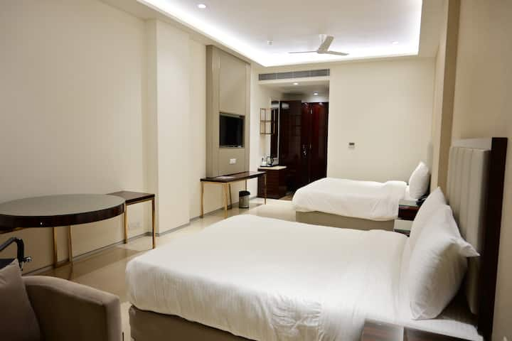 Solitaire Resort & Banquets - Superior Roomj