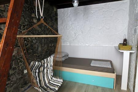 Private room in a 200-YO typical Canarian house - Agaete - Casa de hóspedes