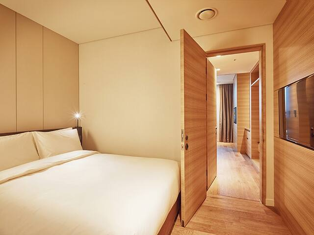 Classic, 1 Double+2 single beds, Myeongdong