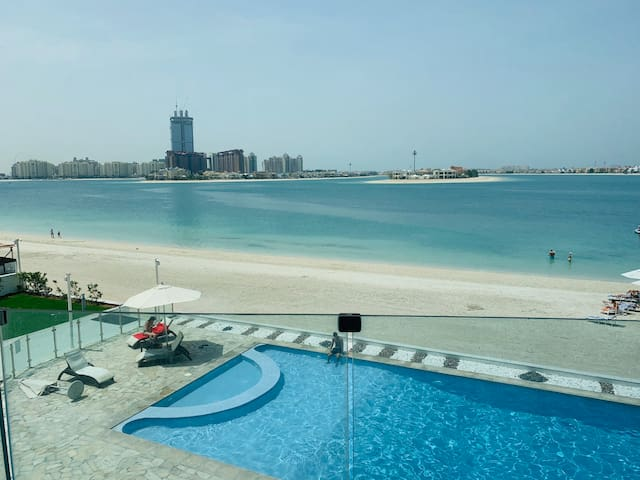 Your private room by the beach in Palm Jumeirah
