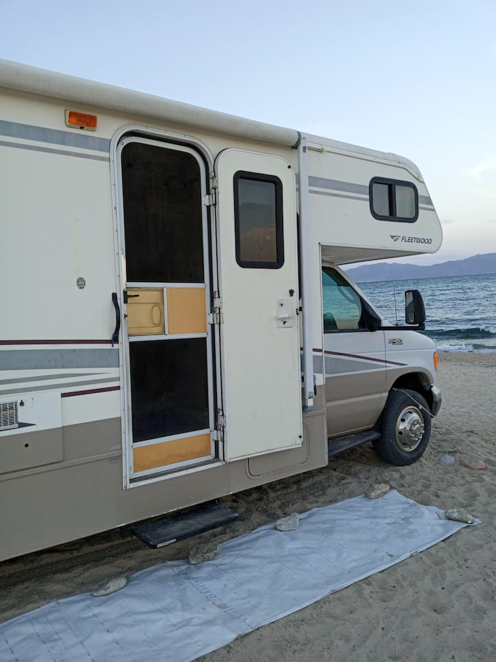 RV on the Beach in Kiteboarder Paradise!