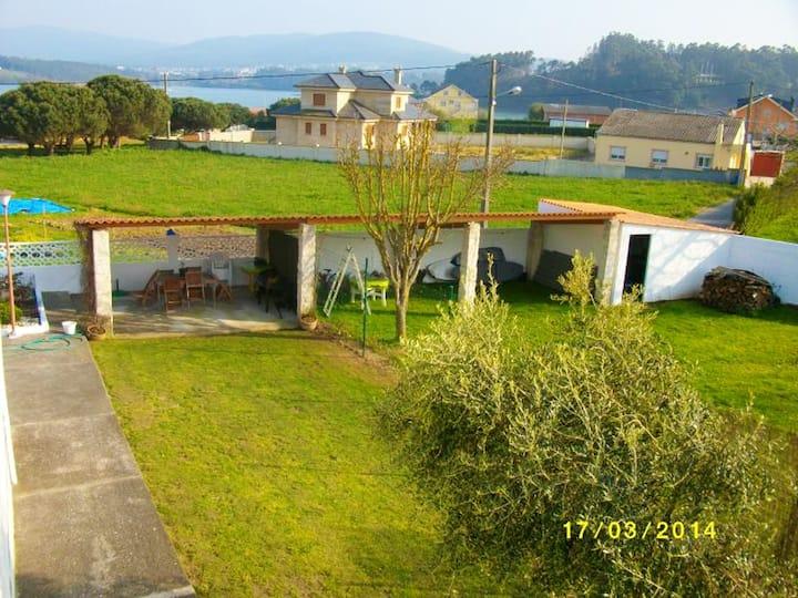 Casa de 8 habitaciones en Foz, con magnificas vistas al mar, jardín cerrado y WiFi - a 400 m de la playa