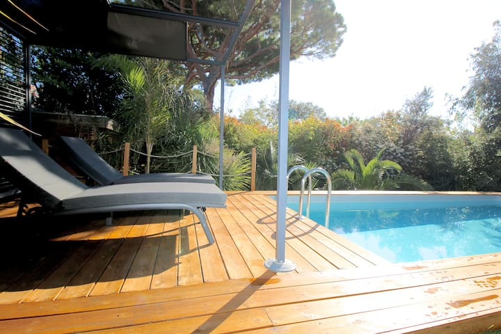 Cannes quiet villa, 2 miles beach & FILM FESTIVAL
