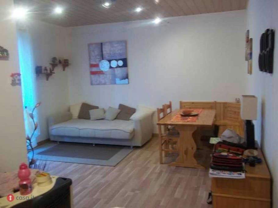 Tarvisio appartamento composto da spazioso soggiorno con for Soggiorno in castello