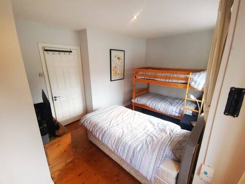 1 Bed in Triple Room house in D6  (bed 3)